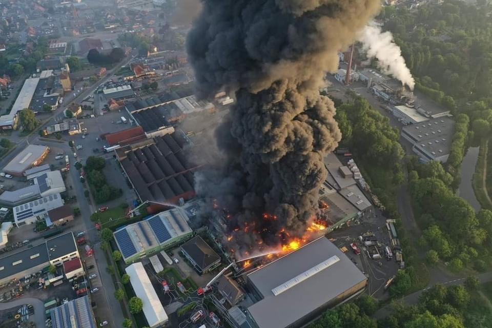 Feuerwehr Großbrand Kunststofffabrik Vreden