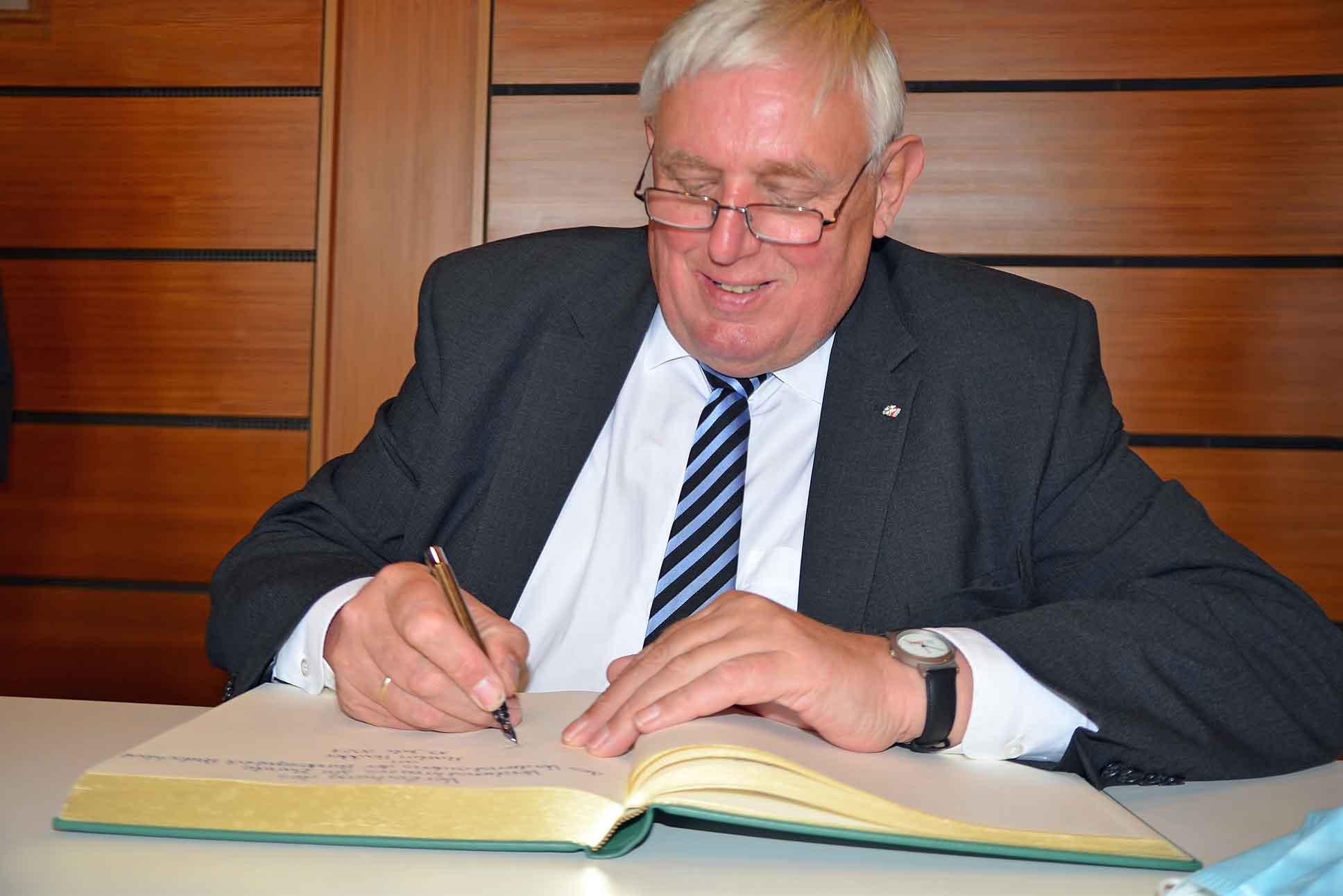 Gesundheitsminister-NRW-Laumann-in-Raesfeld