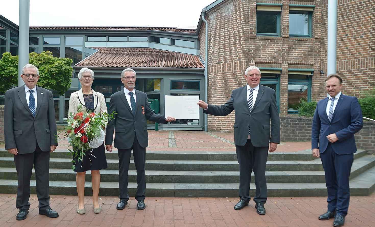 Martin Hadder aus Raesfeld mit Verdienstkreuz ausgezeichnet