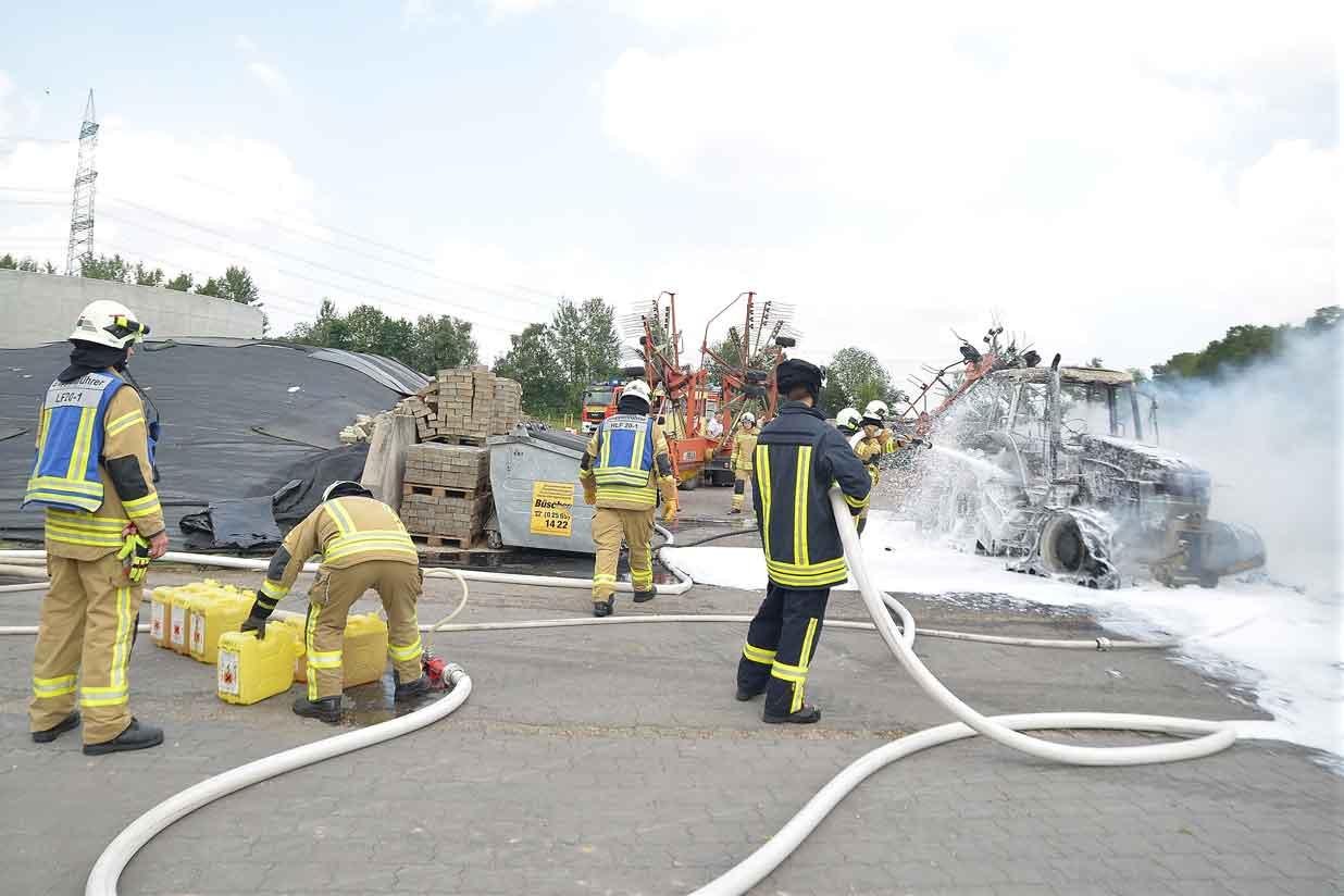 Trecker-ausgebrannt-Raesfeldd