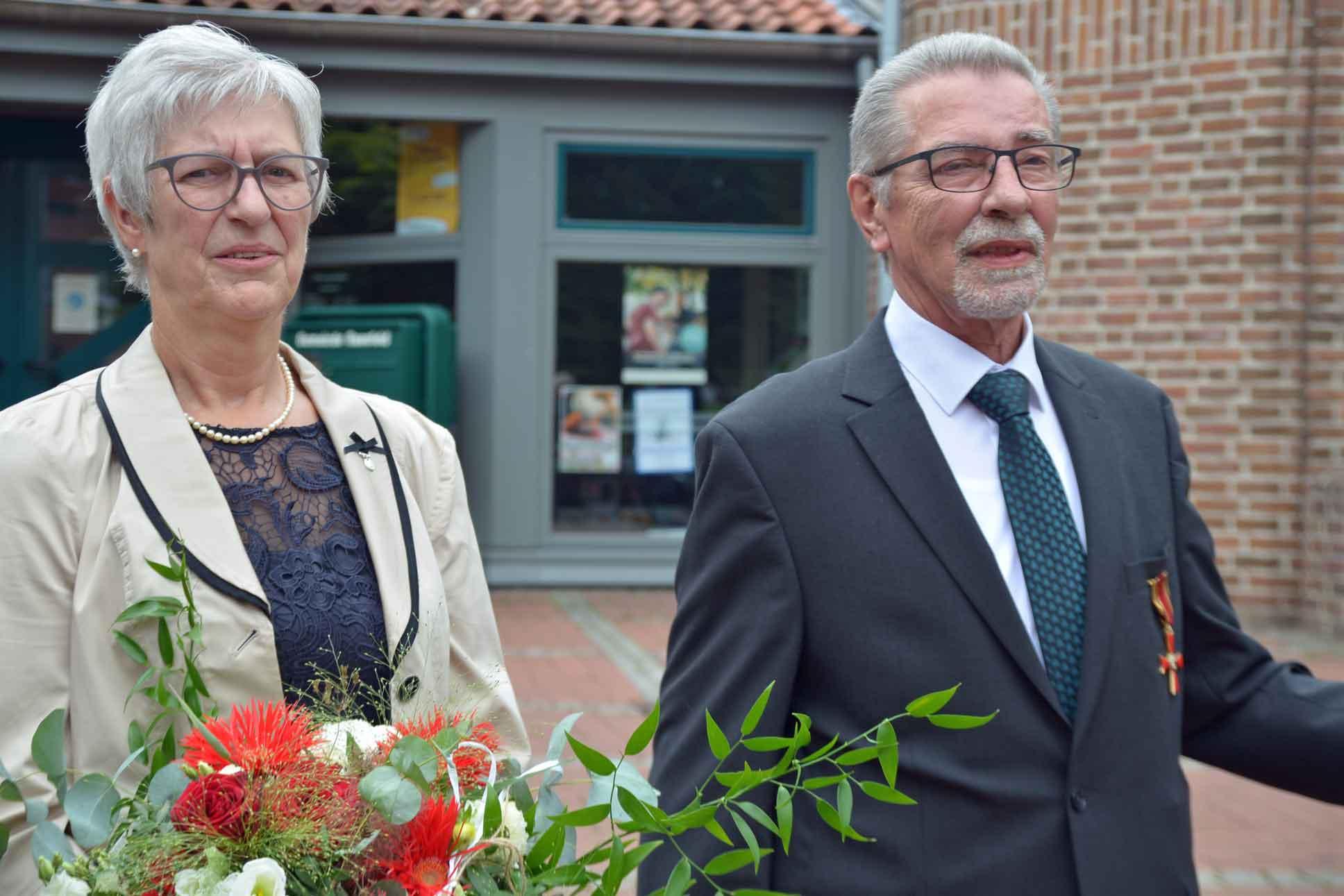 Verdienstkreuz-am-Bande-Martin Hadder-Raesfeld-Laumann