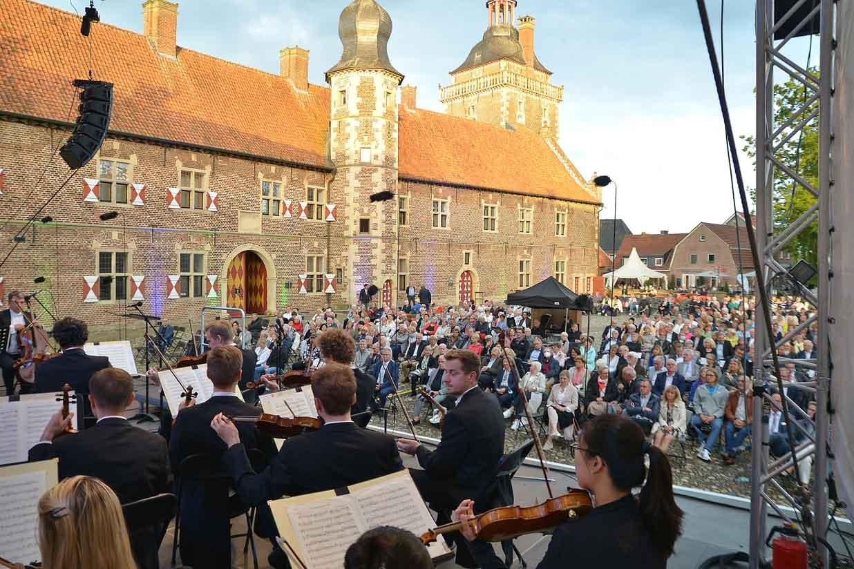 Musiklandschaft-Schloss-Raesfeld-2021