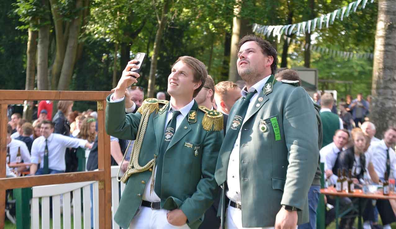 Spannende-Momente-an-der-Vogelstange-in-Raesfeld