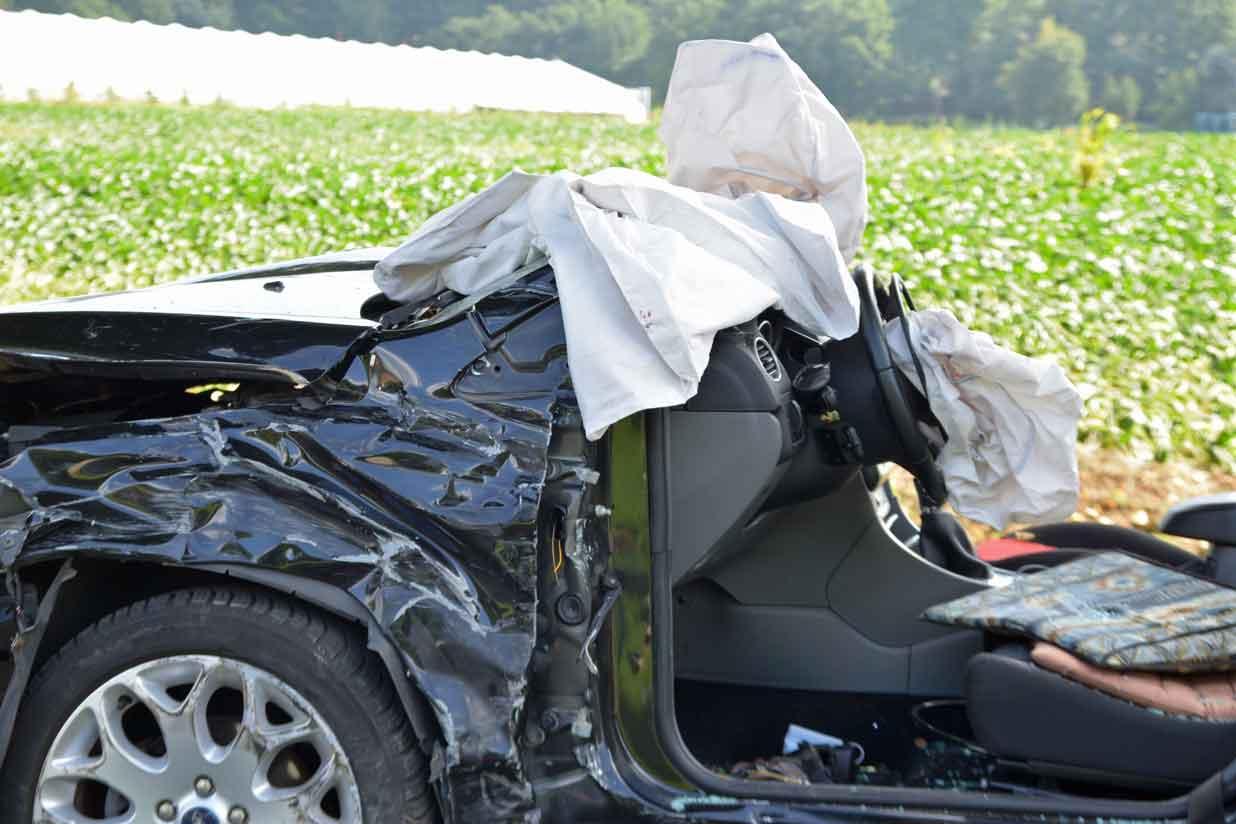 Verkehrsunfall-mit-drei-Autos-Rhader-Strasse-Erl
